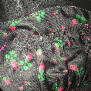 Betsey Johnson Bags - Fringed Betsey Johnson tote